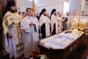 Во что одевают покойницу православную