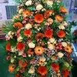 Венок из живых цветов_17