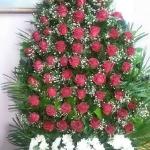 Венок из живых цветов_9