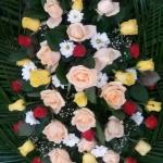 Венок из живых цветов_38