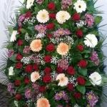 Венок из живых цветов_42