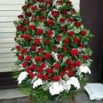Венок из живых цветов_44
