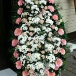Венок из живых цветов_46