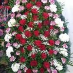 Венок из живых цветов_52