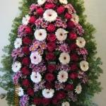 Венок из живых цветов_59